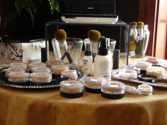BareMinerals by Bare Escentuals - Hairoics Outer Banks